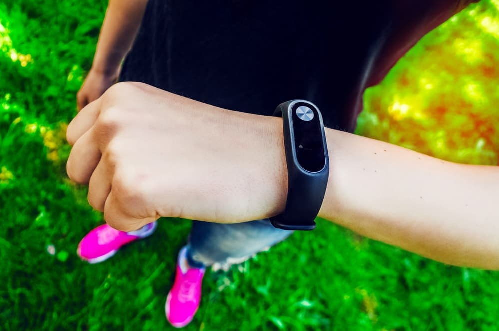 Does Fitbit Emit Radiation That Causes Rashes, Burns & Cancer?